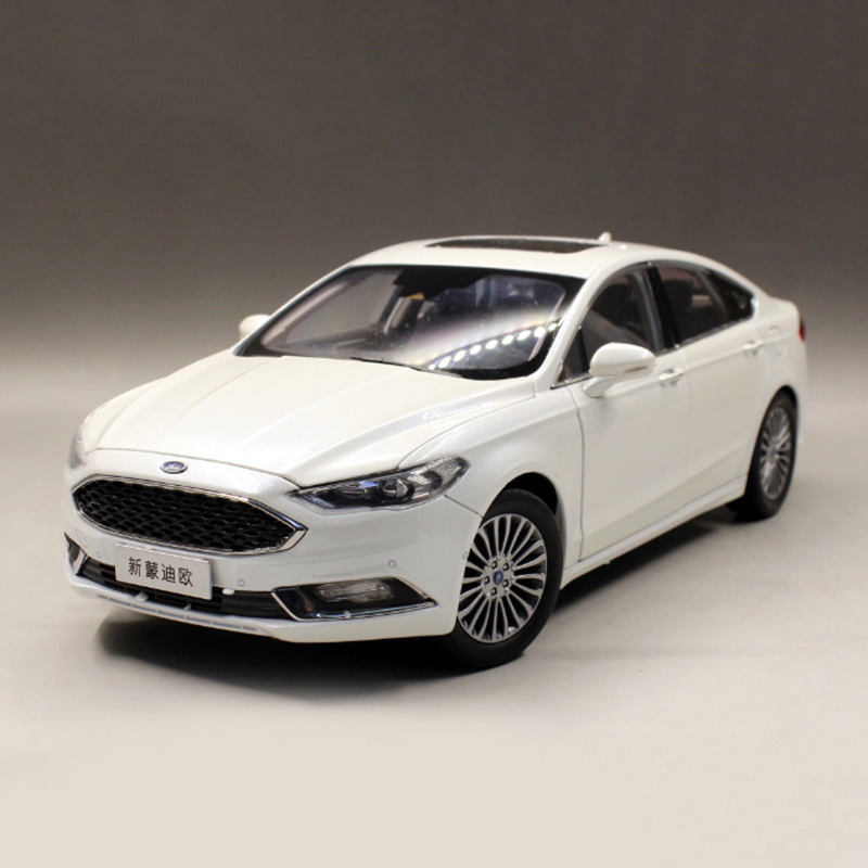 1:18 Alloy Pull Back Toy FORD MONDEO 2017 Car Model Of Children's Toy Cars Original Authorized Authentic Kids Toys hot sale ford mustang police 1 18 welly s281 original alloy car model toy matte black fast
