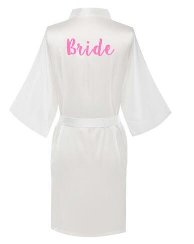 Marke Satin Kimono Robe Künstler Hand Schreiben Qualität Seide-wie Pyjamas Weiß Hochzeit Robe Brautjungfer Maid Of Honor Roben