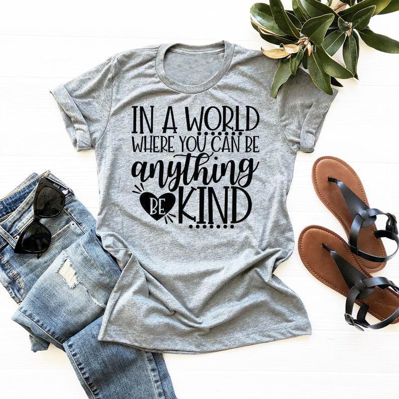 In EINER Welt, Wo Sie Kann Etwas Werden Art T-Shirt Werden Art Grafik Glauben T Freund Stil Grunge Vintage christian Tops