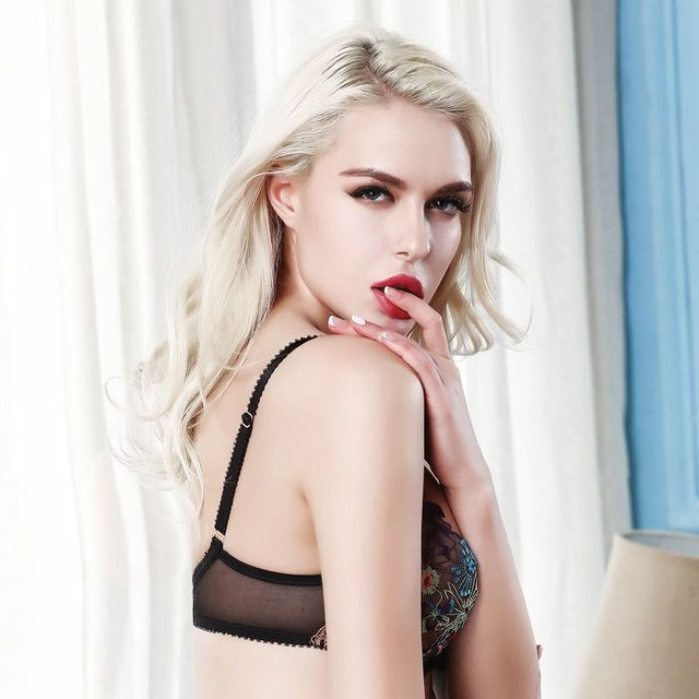 Newest Women Sexy Bra Sets Transparent Ultra-thin Lace Bra Brief Sets Brassiere Push up Bra and Panties Female Underwear Set