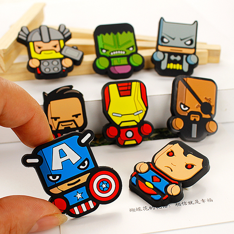 Bright New Arrivals Creative Cartoon Cute Captain America Novelty Exquisite The Fashion Fashion Batman Badges Brooch Souvenir Gift X9 Arts,crafts & Sewing