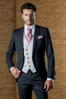 New Style One Button Black Groom Tuxedos Peak Lapel Groomsmen Best Man Mens Wedding Suit (Jacket+Pants+Vest+Tie) W:155