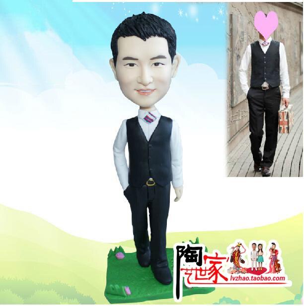 2019 Brinquedos Přizpůsobené Vlastní Reality Polymer Clay Doll Z fotografií dárek pro vás chlapec přítel Narozeninový dort topper