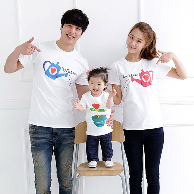 700d5af8b Family Look Mother Father Daughter Son T-shirts 2018 Summer Kids Family  Matching Clothes Outfits