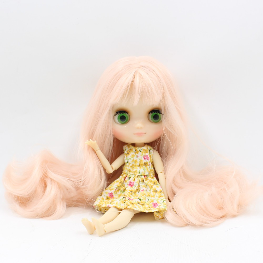 Middie Blythe Doll with Pink Hair, Tilting-Head & Jointed Body 2