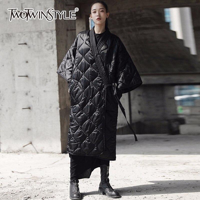 Kadın Giyim'ten Parkalar'de TWOTWINSTYLE Lace Up Pamuklu Mont Kadınlar Üç Çeyrek Kollu Siyah Midi Uzun Ceket Kış Kadın Moda Japonya Tarzı Giyim'da  Grup 1