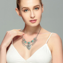 Bohemian Ethnic Style Shield Necklace Women Vintage Antique Chokers Necklaces&Pendants Fashion Jewelry