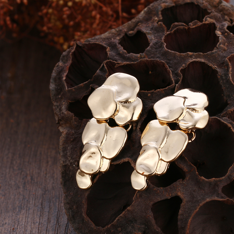 Golden Grape Stud Earrings 1