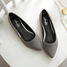 2019 Women Glitter Flats Soft Leather Pointed Toe Boats Shoes Woman Bling Wedding Shoes Comfortable Ladies Slip on Ballets Flats