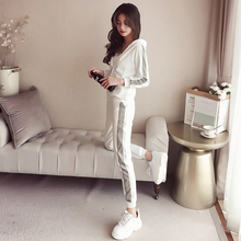 Casual sports suits women's spring and autumn 2019 new spring fashion Korean version of the loose Harajuku style two-piece