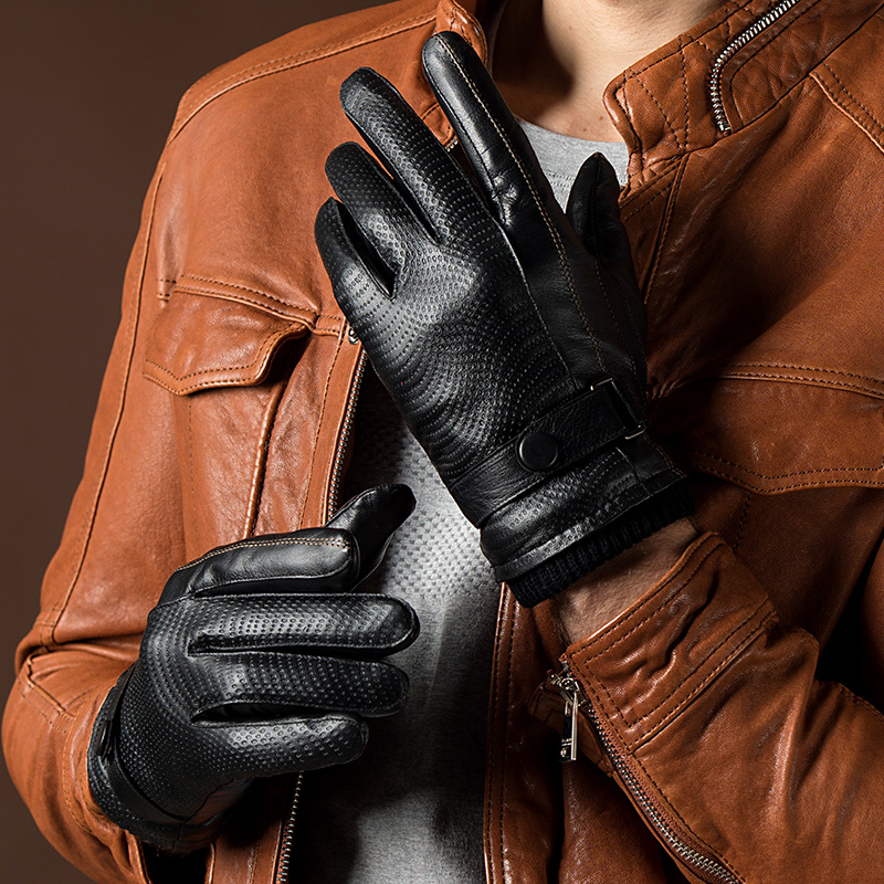 2017 Autumn and Winter Fashion New Men's Genuine Leather Gloves Goatskin Belt Button Black Plus Velvet Warm Gloves