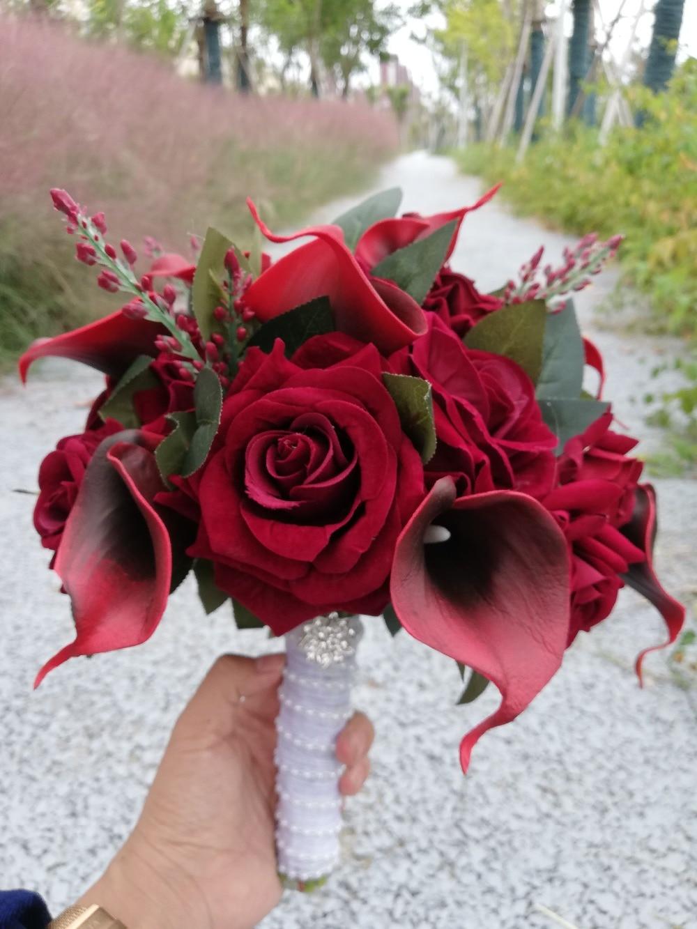 2020 Round Burgundy Wedding Flowers Artificial Black Core Calla Lilies Rose Bridal Bouquets De Mariage