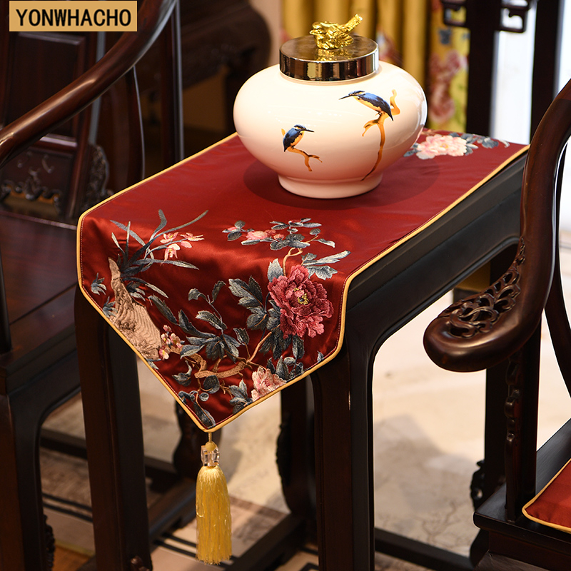 Chinese Embroidered Classical Gold Tv Cabinet Table Bed Flag Table