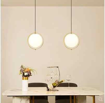 モダンなミニマリストの寝室のシャンデリアデザイナー北欧人格バーテーブルガラスボールシャンデリア