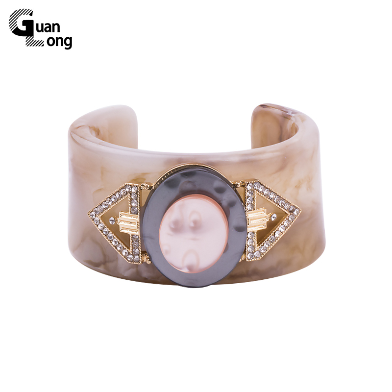 Fashion Resin Material Wide Cuff H Bracelets Bangles Bangles For Women Pulseiras Jewellery