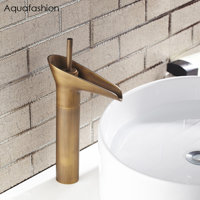 Vanity Sink Antique Brass Faucet Stream Spout Tap Deck Mounted Bathroom Basin Sink Faucet Solid Brass Hot and Cold Water Mixer цена