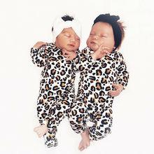 Детское леопардовое одеяло для сна с длинными рукавами и пуговицами
