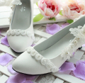 Butterfly decoration bridesmaid shoes handmade crystal wedding shoes Fine with pearl white bride wedding shoes XNX 002