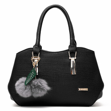 Women's Bag 2019 Fashion Trend Ladies Handbags Europe and The United States Hanging Hair Ball PU Leather Shoulder Messenger Bag 2018leather handbag fashion leather round bad bag chain shoulder scrub europe and the united states oblique messenger ladies bag