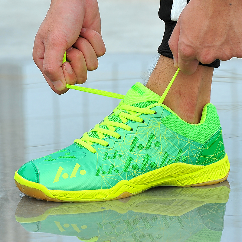 67bf12141 Couples Badminton Shoes Spring Autumn Mens Indoor Sneakers Rose Red Sky  Blue Women Trainers Shoes Comfortable Athletic Shoes-in Badminton Shoes  from Sports ...