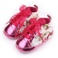 Three Colors Patent Leather Beautiful Flower Lace-Up Riband Design Cotton Sole Baby Girl Shoes 0-15M