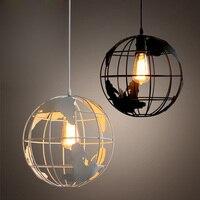 Modern Dünya Kolye Işıkları Siyah/Beyaz Renk için Kolye Lambaları Bar/Restoran Hollow Ball Tavan Armatürleri