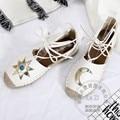 Correa cruzada Zapatos de Las Mujeres Desfile de Moda de Cuero Suave Zapatos Alpargatas Pisos Mujeres Polaina China Pastoral Sólido Paja Sandalia