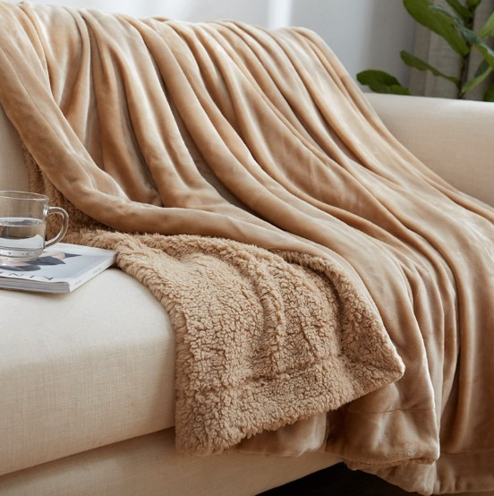 CAMMITEVER Home Textile Flannel Lamb Cashmere Double Thick Blanket With Sleeve On The Bed Solid Fluffy Linen Bedspread