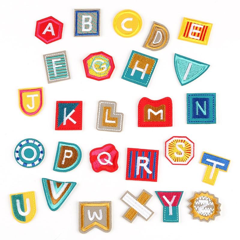 (26 Alfabeto inglés puede elegir) Letras Bordado Parches para ropa - Artes, artesanía y costura