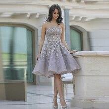 Kurze Brautkleider Trägerloses Cocktailkleid mit Applique Kristall A-linie Knielangen Formales Kleid Weg Von Der Schulter Partei Kleid
