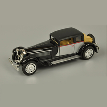 1: 28 Vintage Bugatti Car Model Alloy Pull Back Flashing Classic Vintage Collective Car Toy