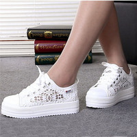 2017 Summer Women Shoes Casual Cutouts Lace Canvas Shoes Hollow Floral Breathable Platform Flat Shoe White