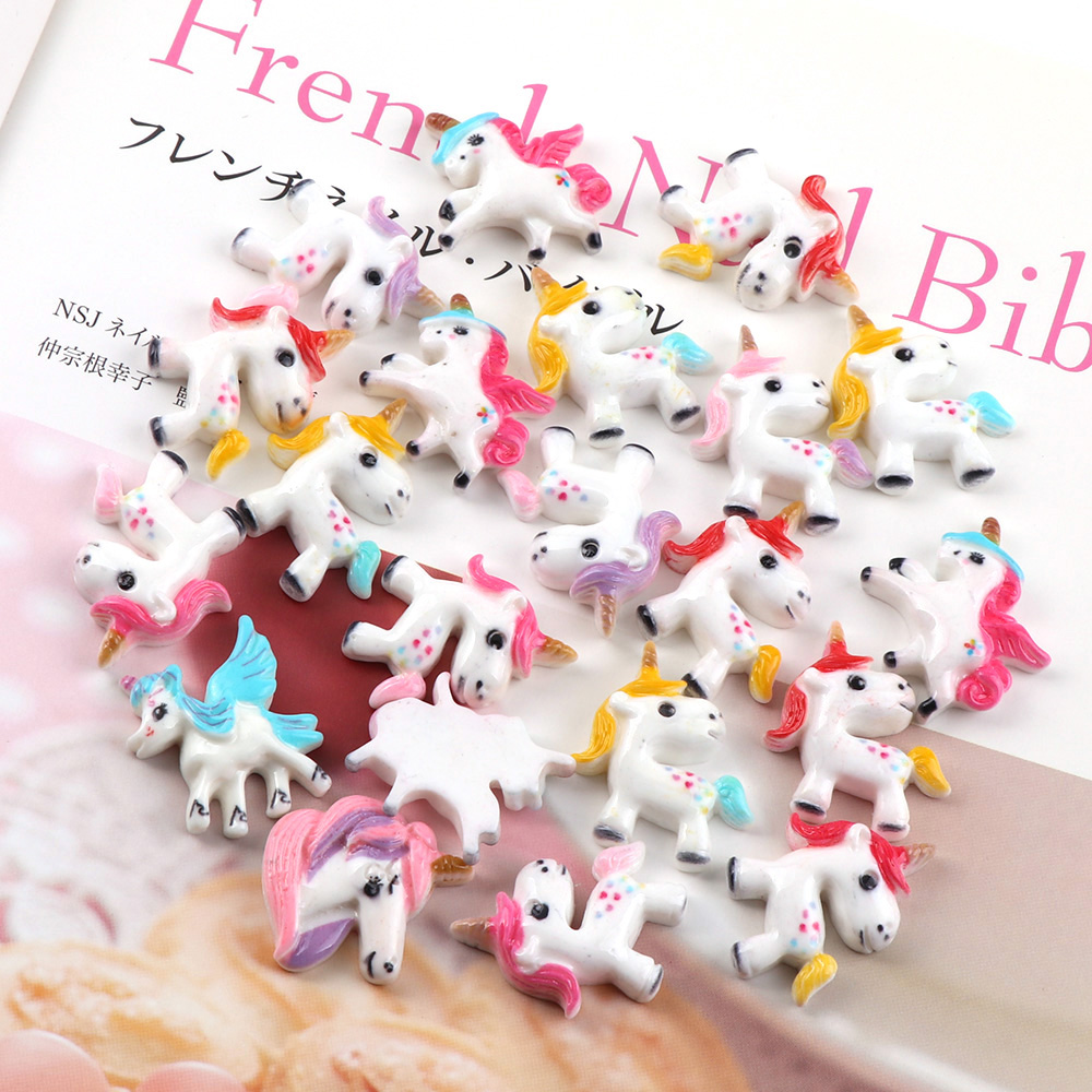 30Piece Mix Size 20~32mm Painted Horse Cartoon Animal DIY Brooches Pins Bag Acrylic Mini Brooch Icons Badges Christmas Gift(China)