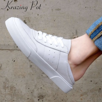 Hot selling exclusive design classic round toe white sneakers genuine leather lace up ventilated lace up vulcanized shoes L29