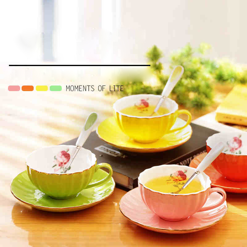 Promotion! High grade Coffee Cup Suit European Bone Porcelain Coffee Cup Creative Black Tea Of Cup Coffee Cups And Saucers Spoon