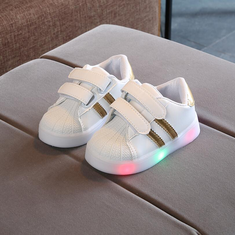 Sports LED lighting footwear baby casual shoes Lovely cute baby girls boys Shoes excellent cartoon baby sneakers infant tennisSports LED lighting footwear baby casual shoes Lovely cute baby girls boys Shoes excellent cartoon baby sneakers infant tennis