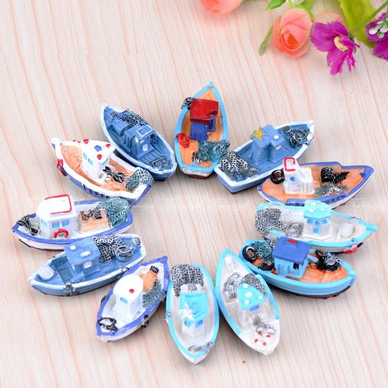 1 Pcs Miniature Blue Yellow Yacht Boat Fishing Mini Room Home Decoration Garden Small Craft Diy Accessories