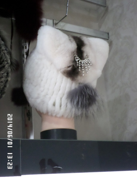 Dos Ángulo de altos sombreros de piel de conejo