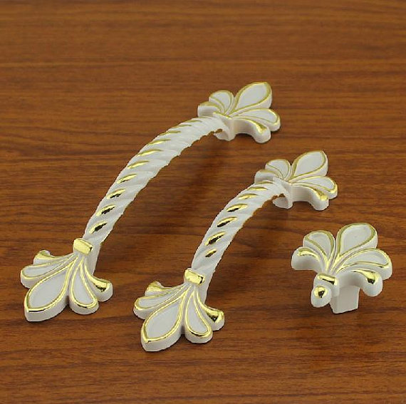 2.5 3.75 Dresser Pull French White & Gold Drawer Pulls Handles  Kitchen Cabinet Handle Knob Dresser Hardware64 96 mm474 3 3 4 dresser drawer pulls handles knob white gold circles french country kitchen cabinet handle knobs pull