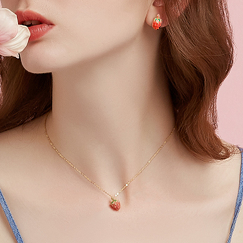 New Cute Red Small Strawberry Necklace Fashion Gold Color Fruit Short Choker Necklace For Girl Children Gifts Party Jewelry
