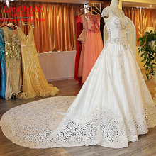 Dubai Luxury Ball Gown Cathedral Train Beaded Crystal Tassel Lace Wedding Dresses 2016 Royal Long Formal Women Bridal Gown XW180