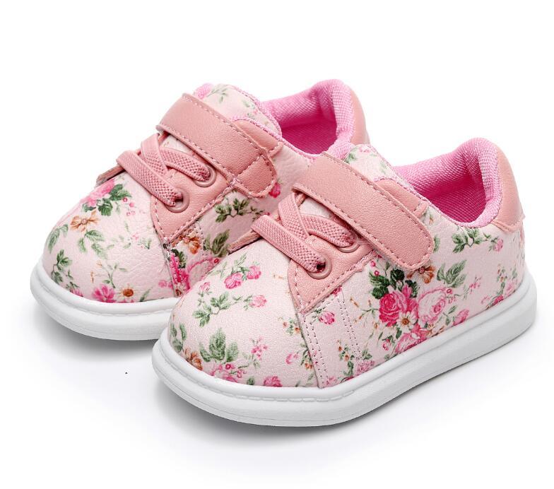 Nette Babyschuhe Für Mädchen Weichen Mokassins Schuh 2018 Frühling schwarze Blume Baby Mädchen Turnschuhe Kleinkind Junge Neugeborenen Schuhe Erste Walker