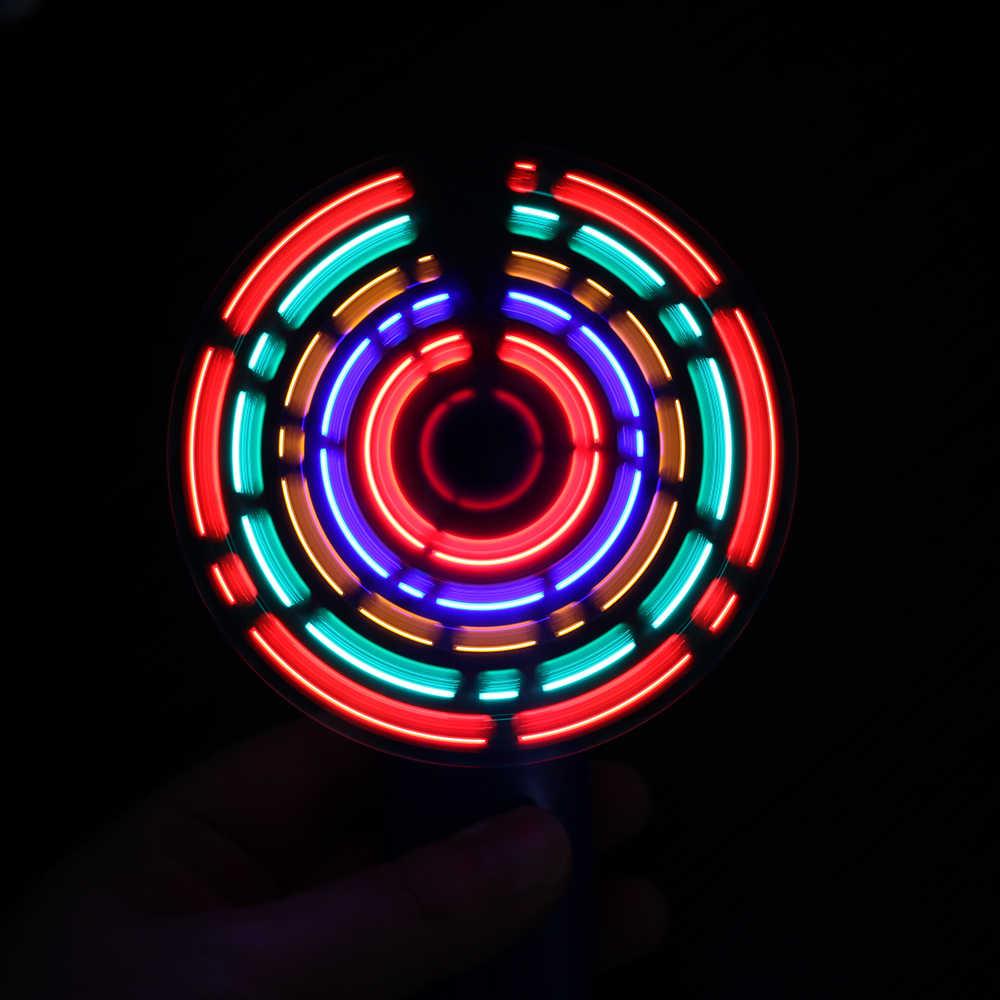 Красочные семь Цвета уникальный ручной вспышки светодиодный мини вентилятор работает охлаждения Desktop для путешествий офис Применение летний гаджет