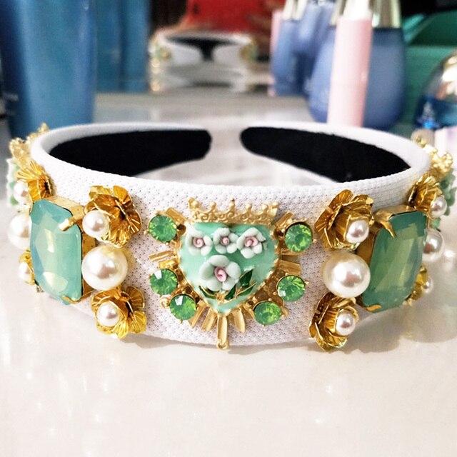 Фото новый тренд роскошная бархатная корона в стиле барокко хрустальный