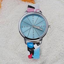 Moda alta calidad sencilla estudiantes Casual reloj camuflaje reloj correa de cuero Dial de color Dazzle Wristatches para chicas Cool K1131