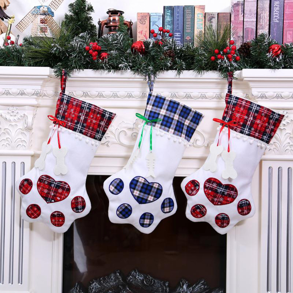 Decor for the new year 2019 Plaid Christmas Gift Bags Pet Dog Cat Paw Stocking Socks Xmas Tree Hanging Pendant Toy Doll gifts plaid