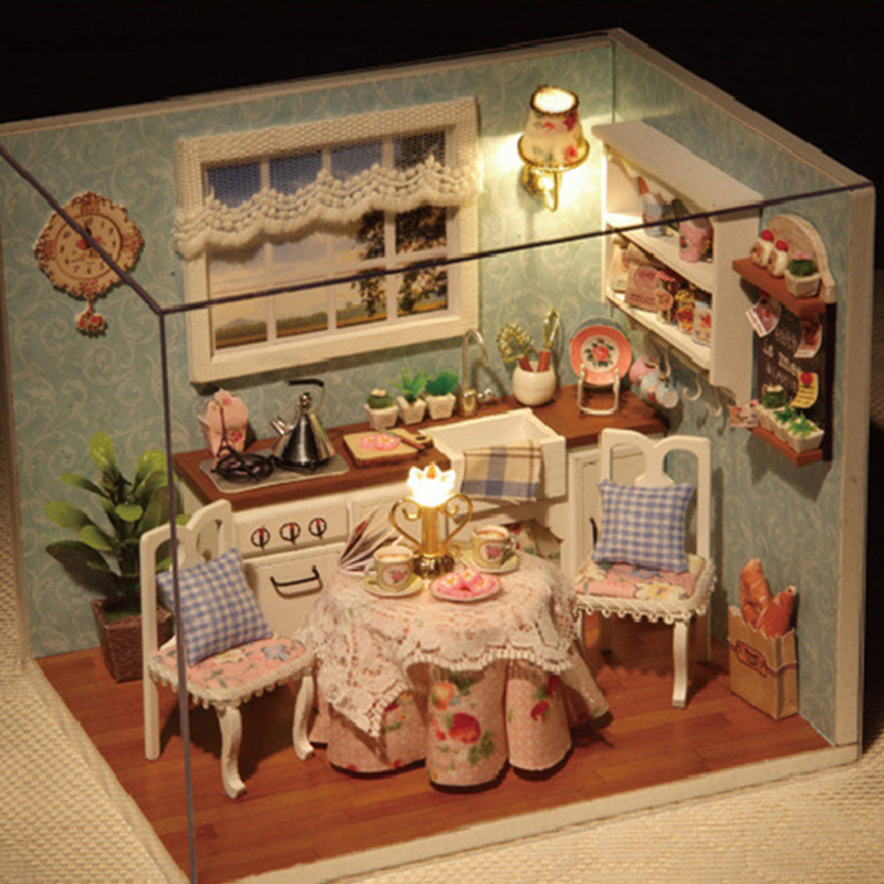DIY Wooden Doll House Toys Miniature Box Kit With Cover And LED Furnitures Handcraft Miniature Diy Board Game