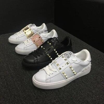 Европейский станция женская обувь тенденция доска кожаная обувь белые туфли в Корейском стиле дышащая повседневная заклепки пара