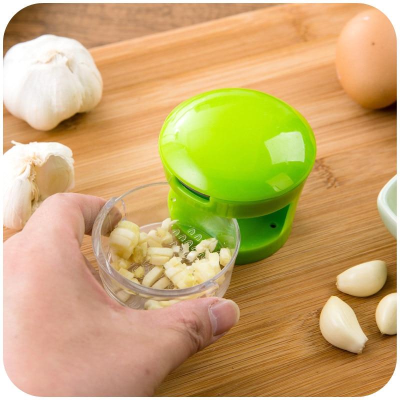 Pracital Kitchen Gadgets Stainless Steel Blades Garlic Press Slicer Handy Onion Garlic Chopper Cutter Inbuilt Clear Plastic Tray in Garlic Presses from Home Garden