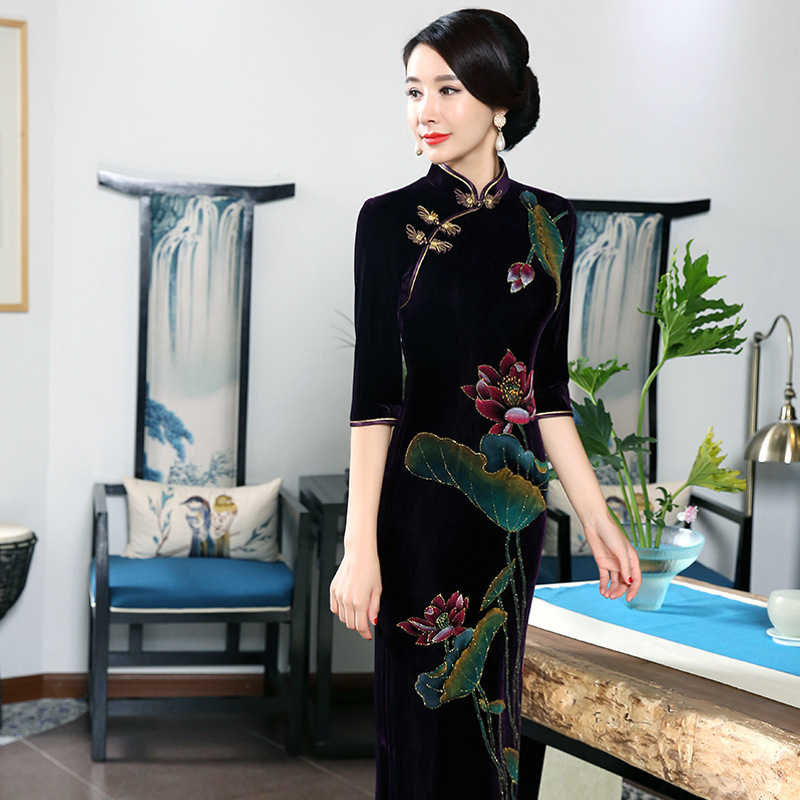 Wedding Dresses Chinese Pure Hand painted Velvet Cheongsam Women Traditional Evening Dress Long Stretch Qipao Cheongsams Velour in Cheongsams from Novelty Special Use